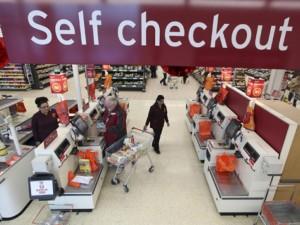 Supermercados brasileiros já contam com caixas de autoatendimento